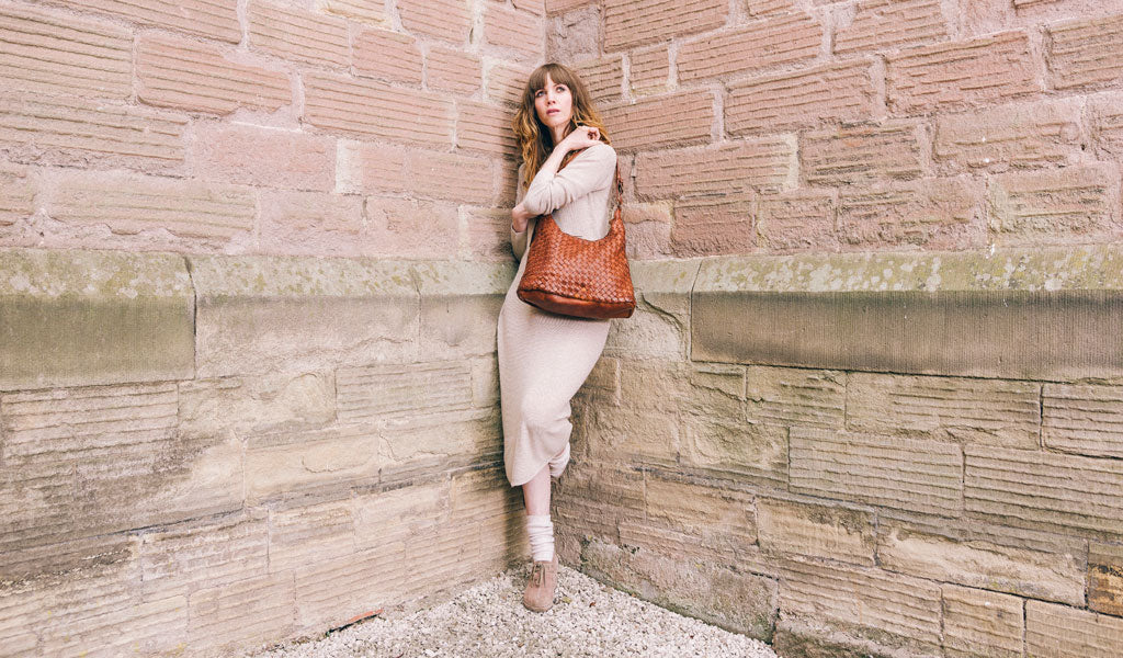 Classic real Italian leather weave shoulder bag in Tan.