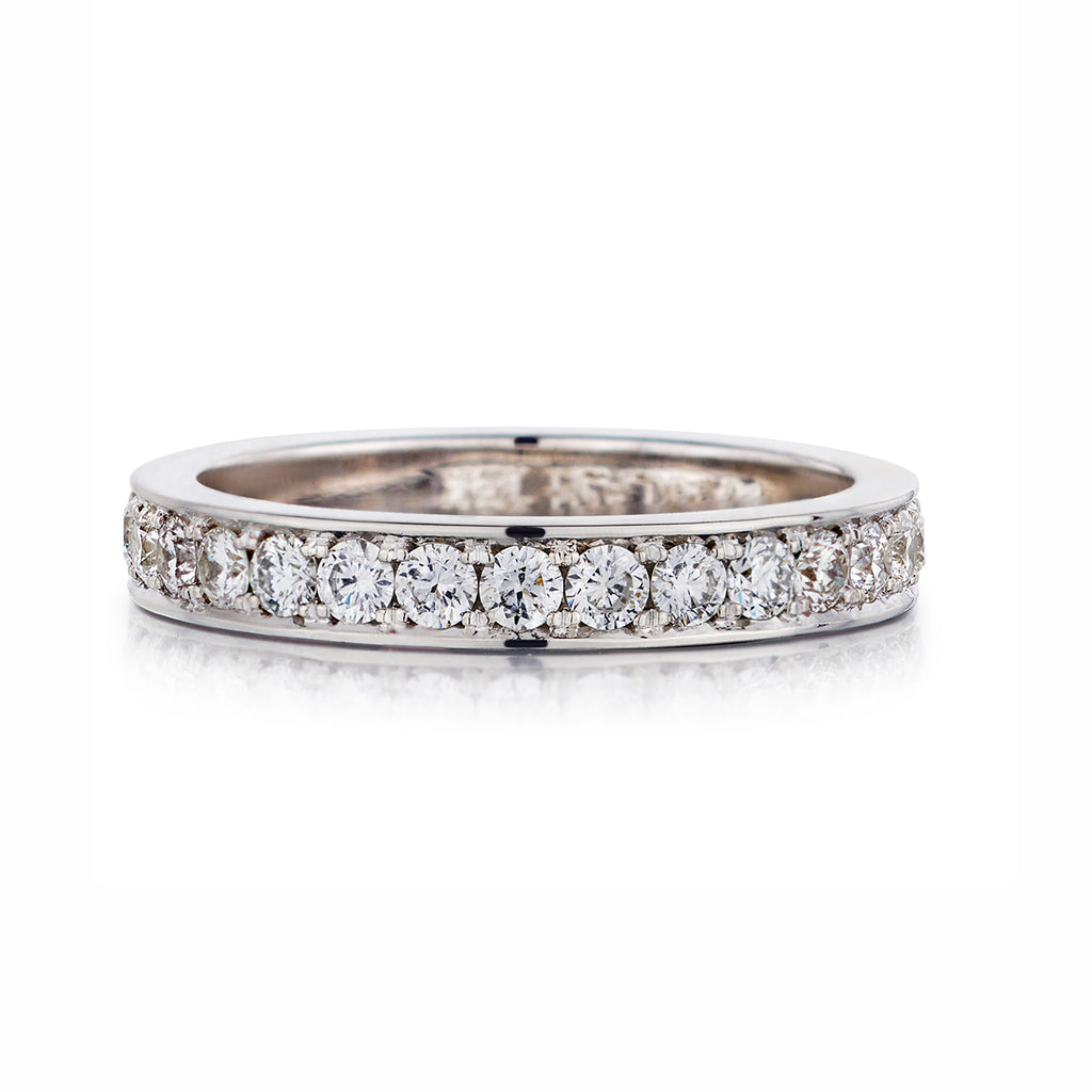 Shared Claw Round Brilliant Cut Diamond Band