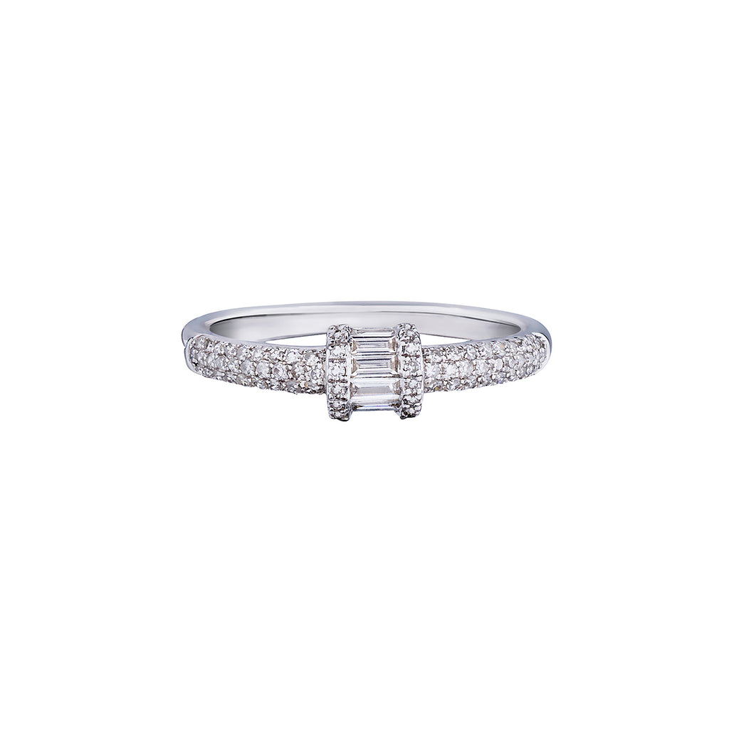 BAGUETTE & PAVÉ DIAMOND RING