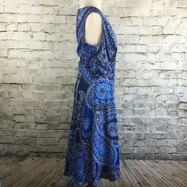 Sleeveless Blue Paisley Dress