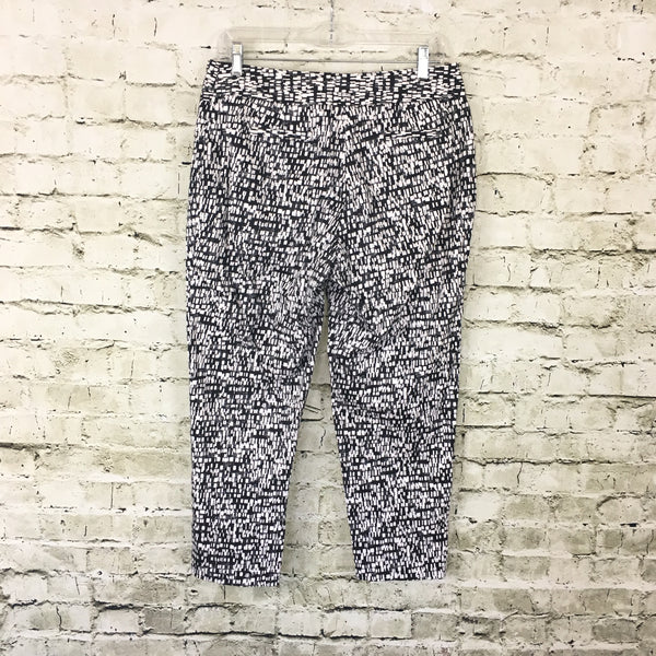 Black & White Print Ankle Pants