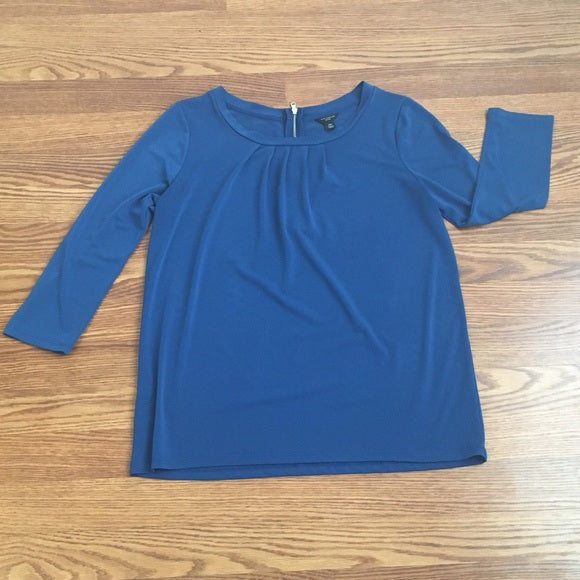 Ann Taylor 3/4 Sleeve Blue Knit Top