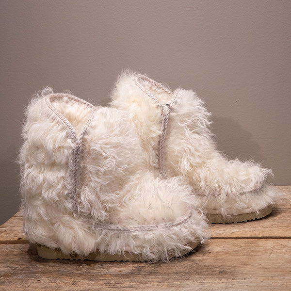 Winter White Mou Boots