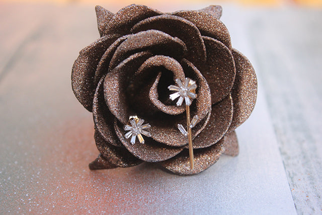Adina Reyter Baguette Flower Post with 1 Stem