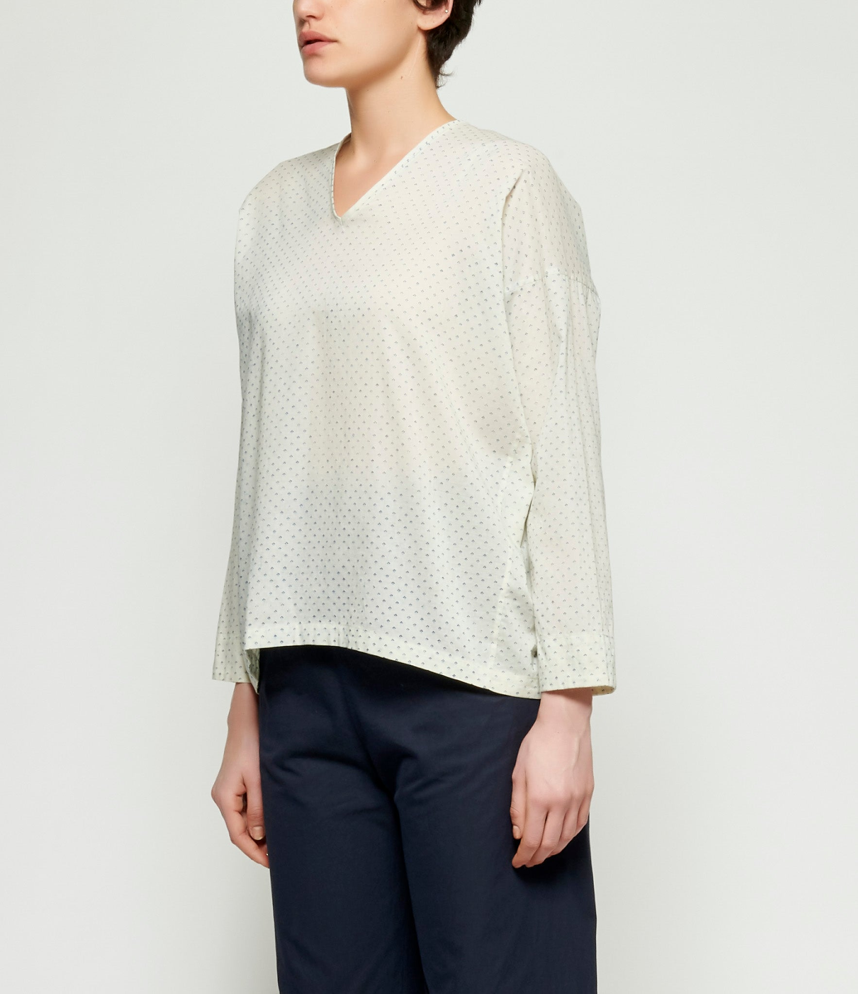 Arts & Science Two Way Flat Blouse