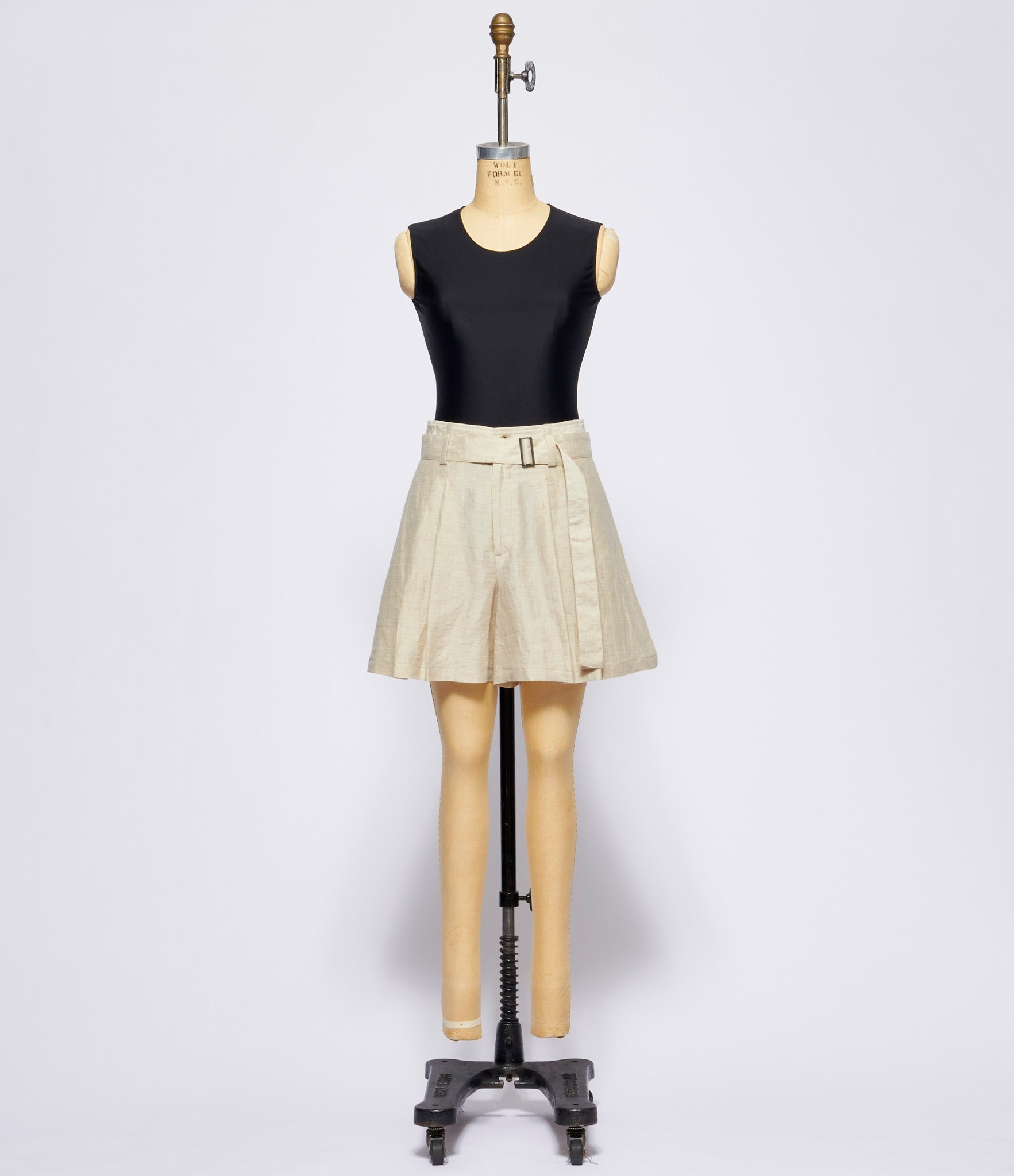 Forme d'Expression Belted Short Pants