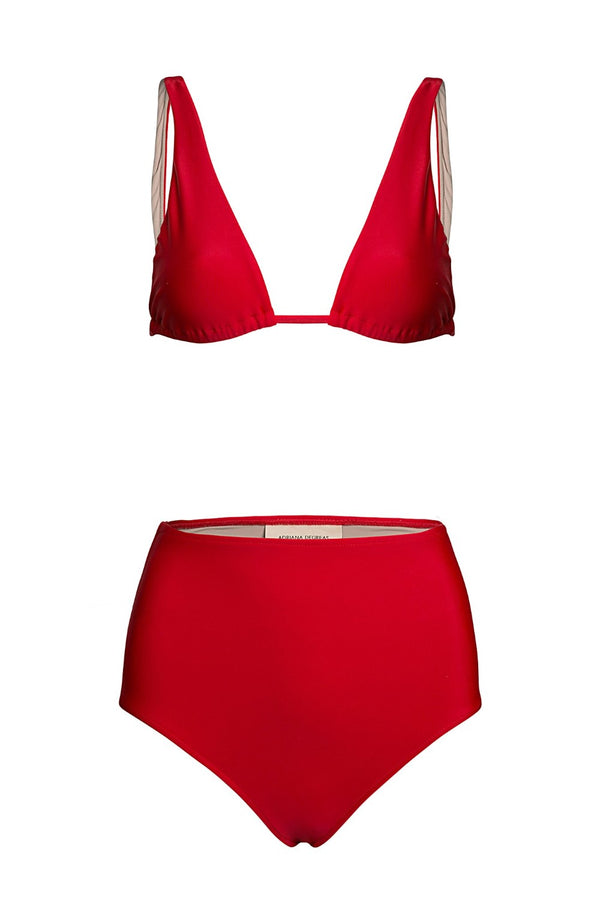 Made from sculpting stretch fabric, this red color Italian inspired aesthetic bikini translates all the vintage mood of the collection