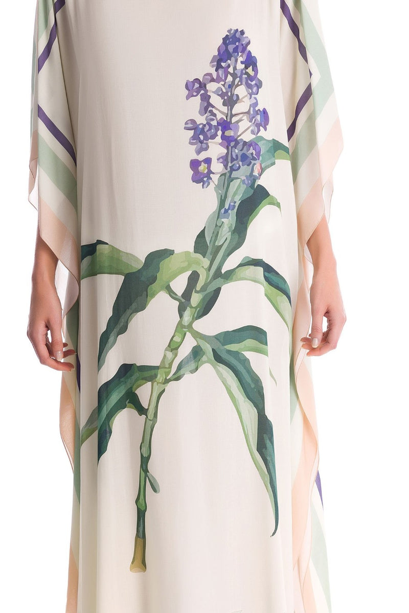 This long kaftan is made from viscose and offers a refined interpretation of Adriana Degreas´ Brazilian inspired aesthetic