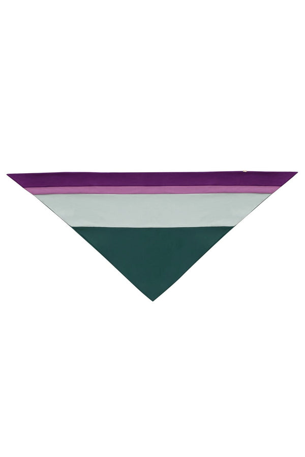 This colorful bandana is made of stretch fabric and is a stylish accessory to edit summer looks for vacation