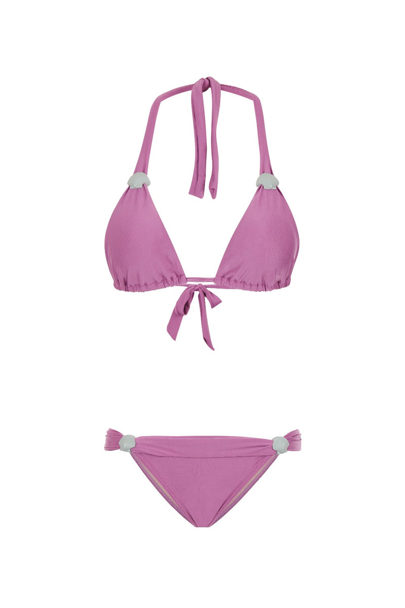 The color and the seashell buckle of this triangle bikini were inspired by the beautiful shades of the Mediterranean landscapes
