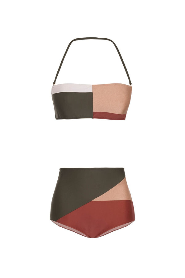 This classic bandeau-style hot pants comes with an optional halterneck strap for extra support. Slip it on with the viscose robe in the same colors for a sophisticated outfit by the pool