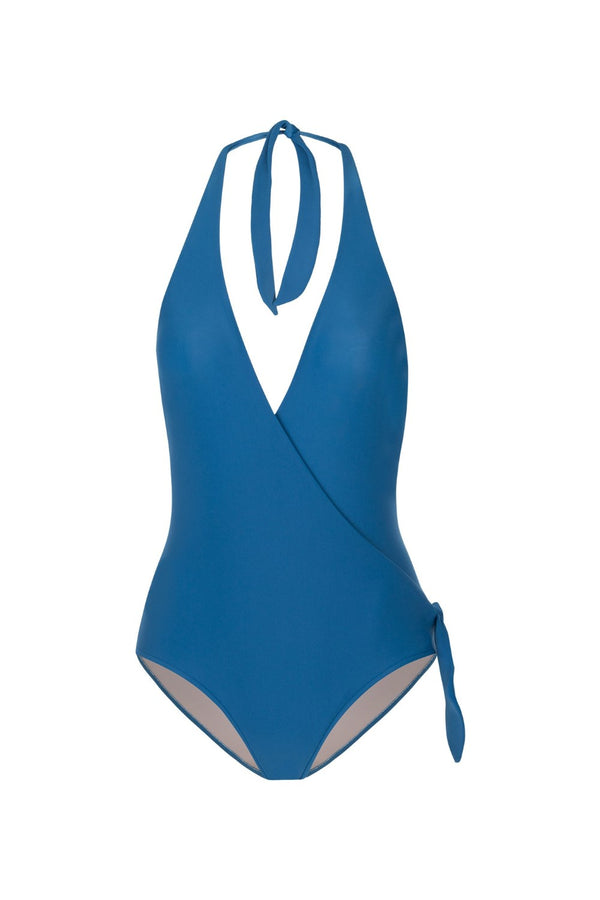 This classic halterneck swimsuit molds the female form and is a timeless piece for your summer wardrobe