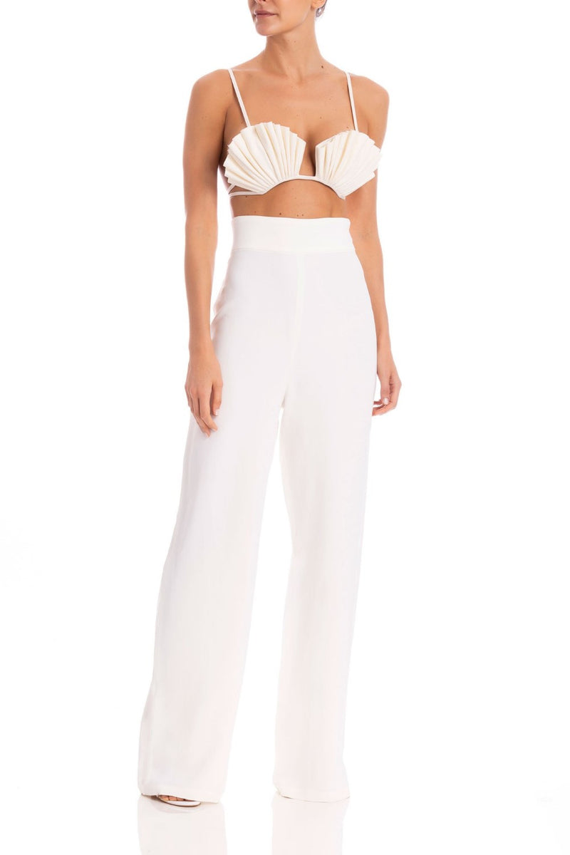 These clean and tailoring wide-leg pants provide a sharp silhouette- better when edited with high heels