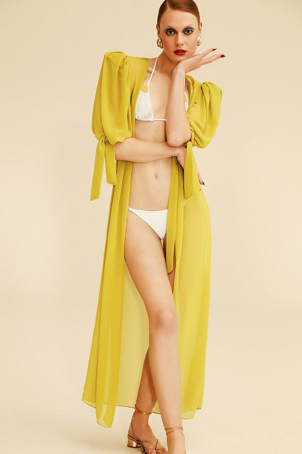 This timeless and elegant robe was inspired by retro silhouettes