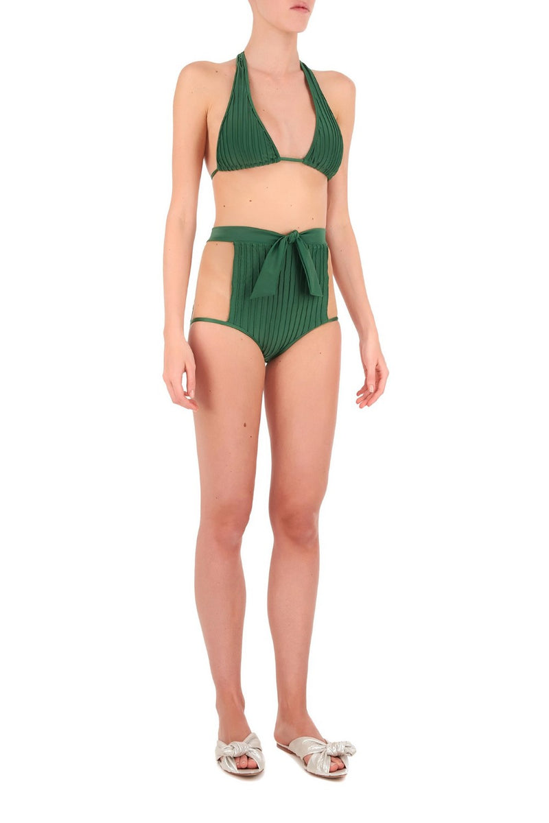 One of the brand´s signatures styles is this bikini sculpting from stretch fabric and cutout sides with tulle that highlight the narrowest part of your waist