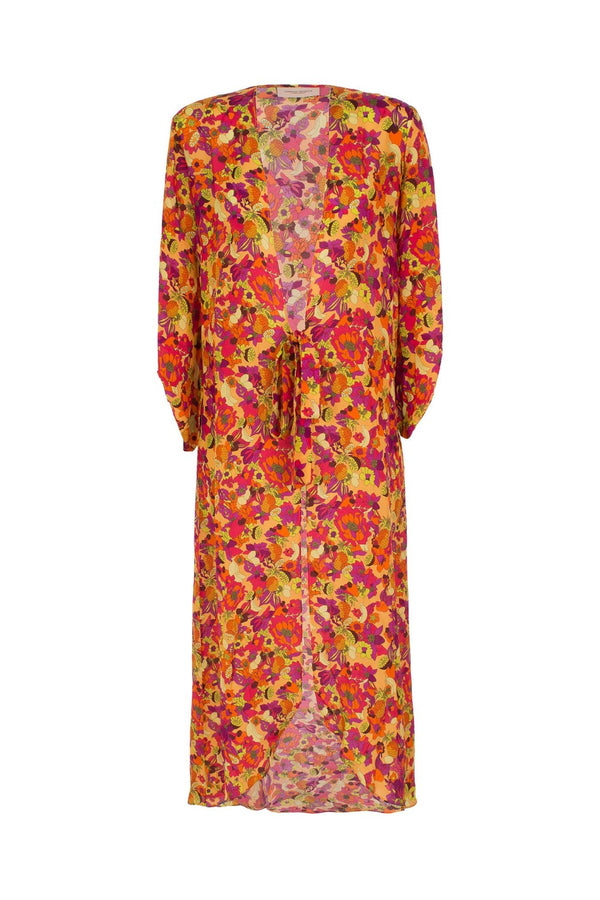 This light weight silk robe is designed for a cool, breezy feel