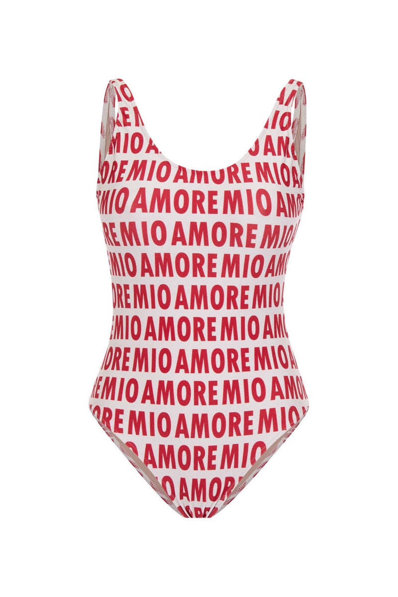 The amore mio swimsuit is one of the statement pieces of the Italia collection – the cut with a retro scooped neck, open-back and high-cut legs are already part of the label´s DNA