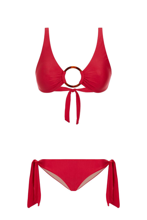 For your next getaway don't forget to pack easy pieces like this halterneck bikini inspired in the 1960s