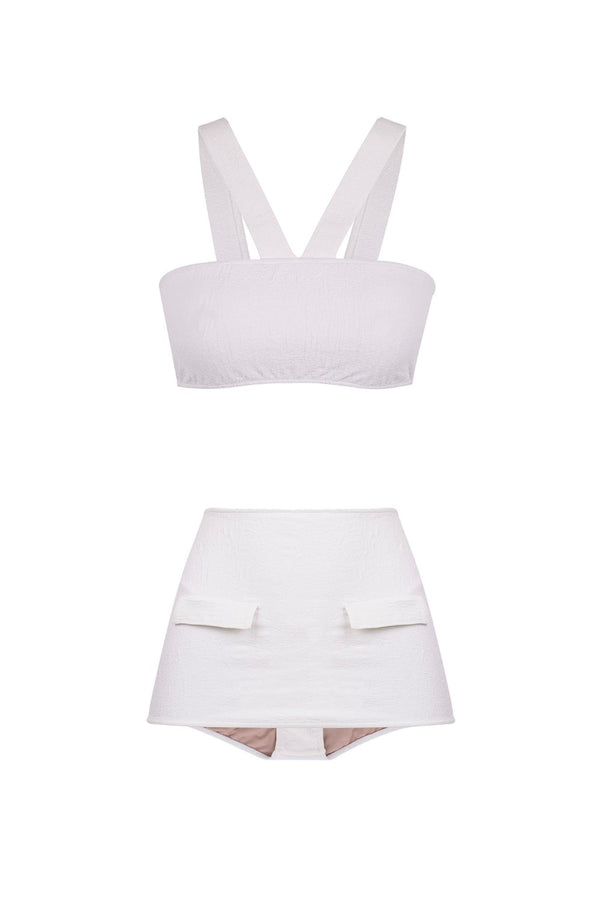 This jacquard halterneck bandeau top and hot pants bikini was inspired in the femininity of 1950's swimwear