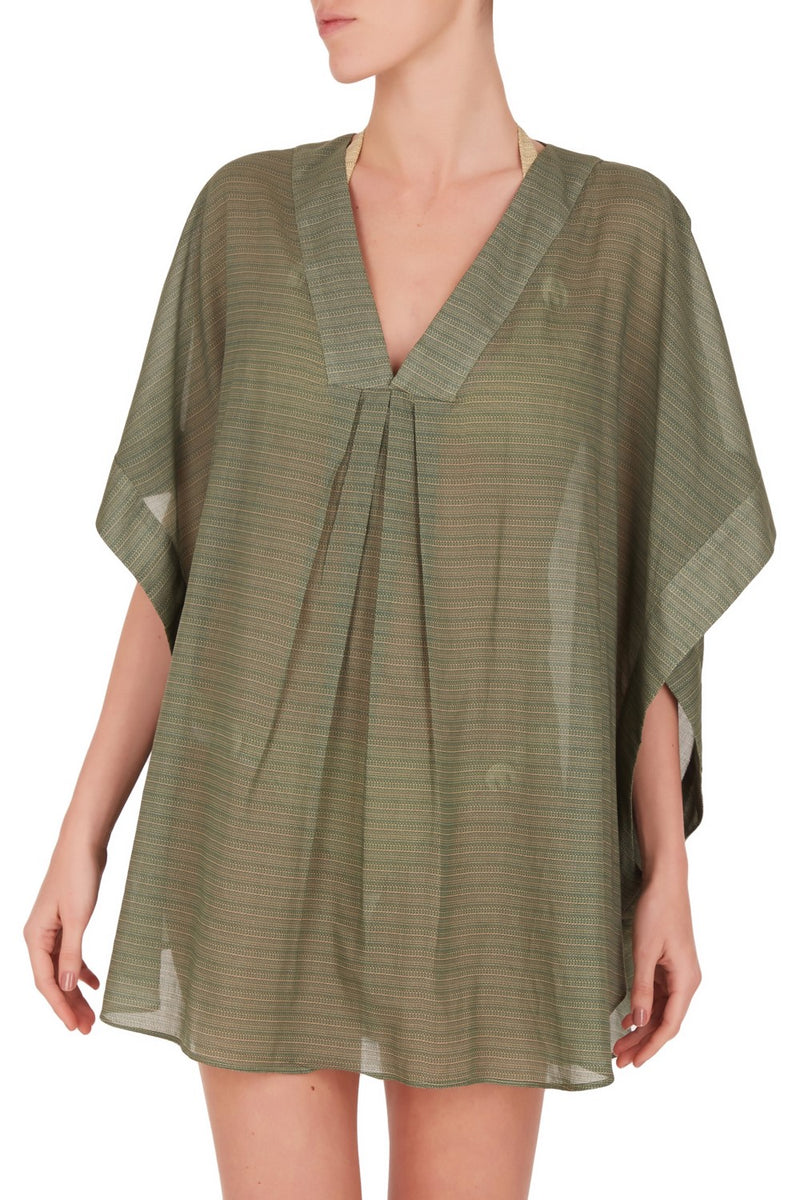 For your next chic scape look for elegant and practical pieces like this short printed kaftan