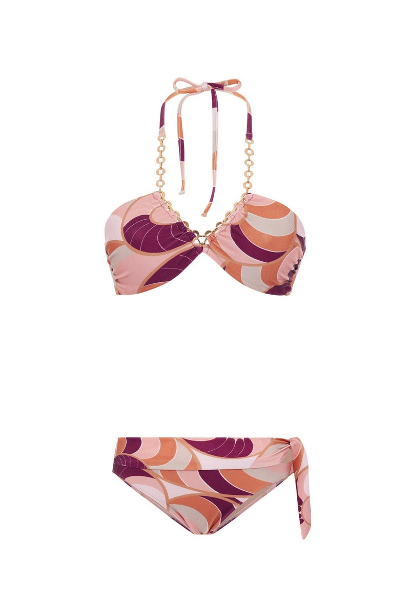 This bikini set combine contemporary style with vintage twist – The gold-tone chain is inspired by fashion magazines references from ´70s