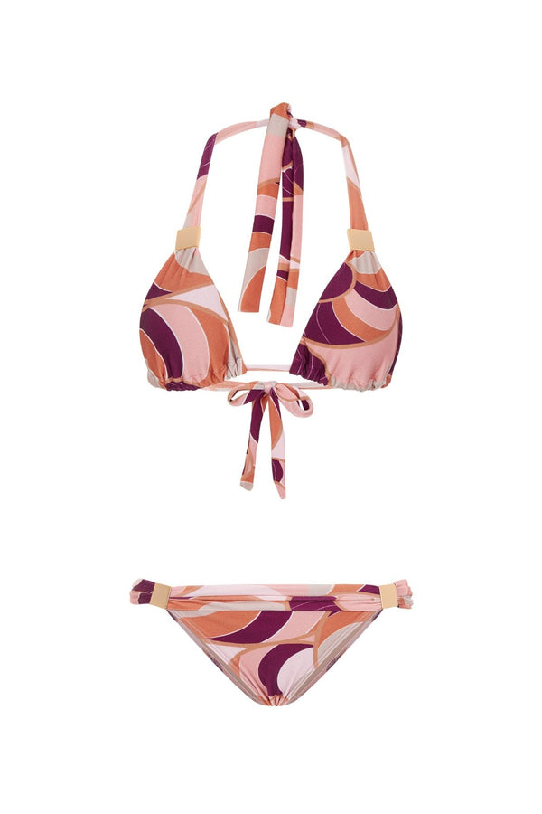 This bikini set includes the lable´s classic long triangle top and low-rise briefs that offer minimal coverage – adjust them to find your perfect fit. Wear it with one of the label´s matching cover up and flat sandals