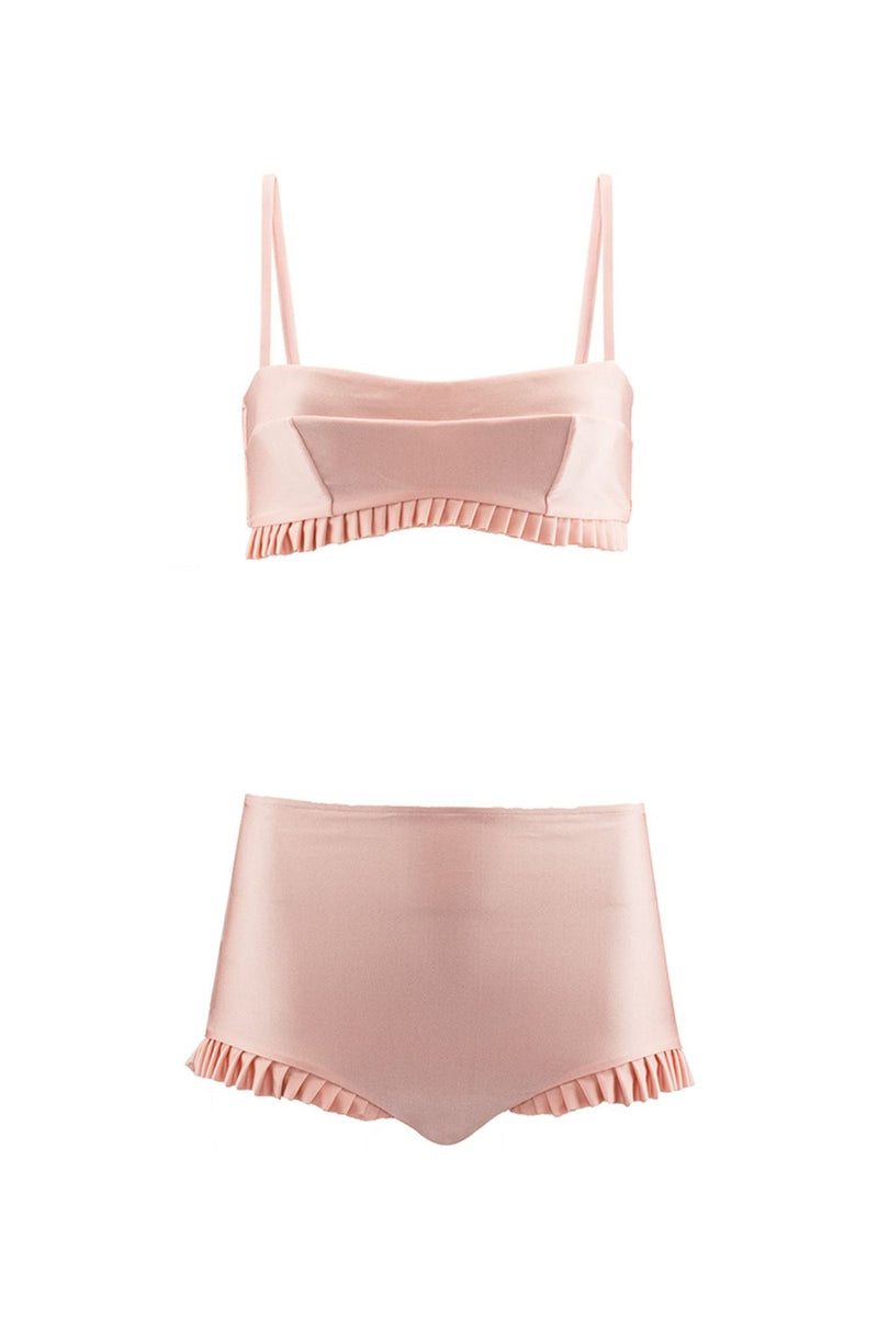 Made from sculpting stretch fabric, this blush color Pin-up inspired aesthetic hot pants translates all the vintage mood of the collection