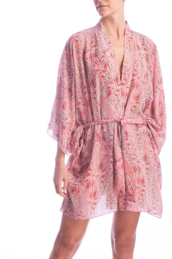 Aloe Vera Flower illustration is the main inspiration for this this short kimono designed with a relaxed fit and cut with lightweight fabric. Wear it with coordinating pants for lunch poolside.