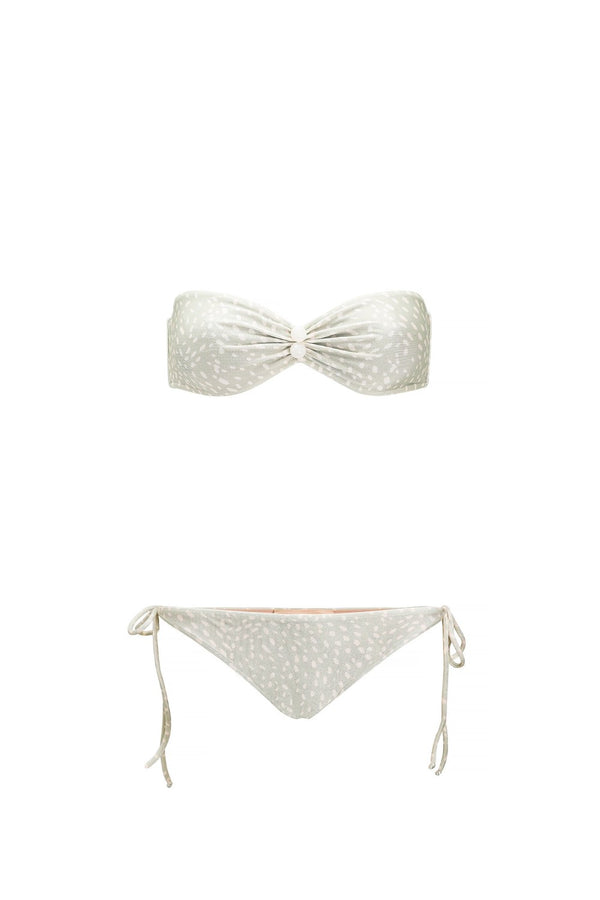 This strapless bikini set is perfect for long days at the beach - the top bandeau shape without straps helps to avoid tan lines