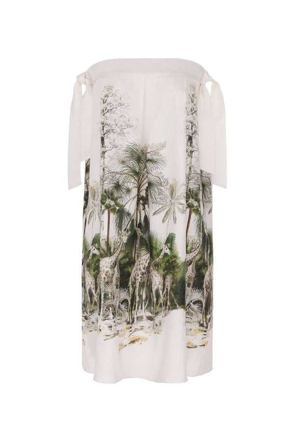 This short strapless Safari dress is made of viscose silk blend and is an ultra-versatile piece for summer evenings