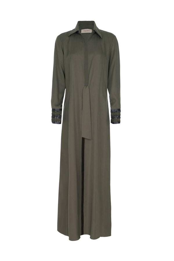 This urban-style and modern robe is made of cot with self-tie in the for your perfect fit