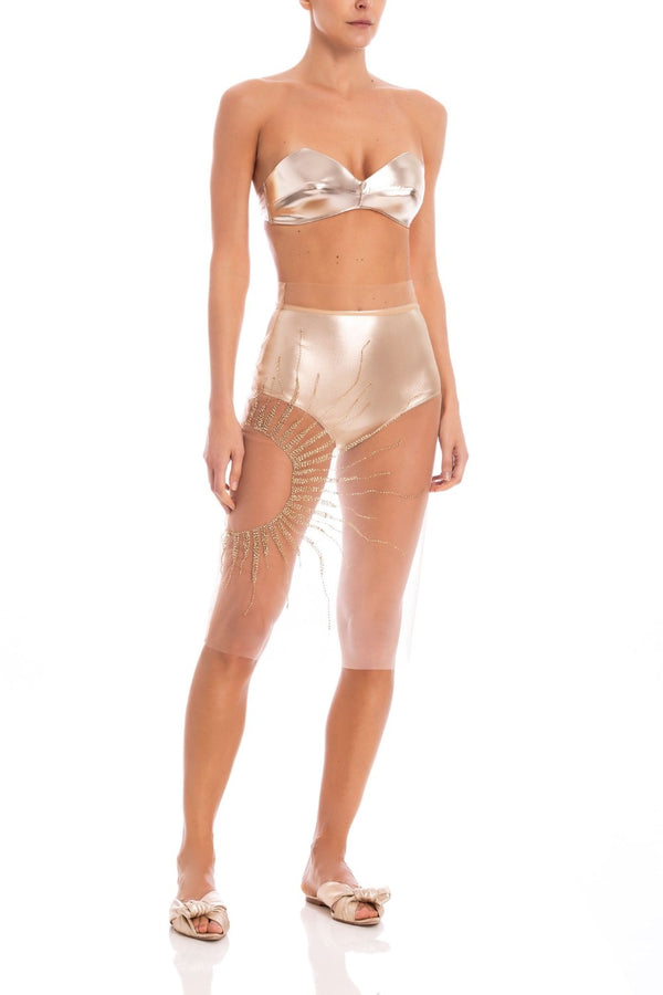 This Soleil skirt and hot pants set, is made for a sim fit with high-rise waist and features a transparent tulle fabric