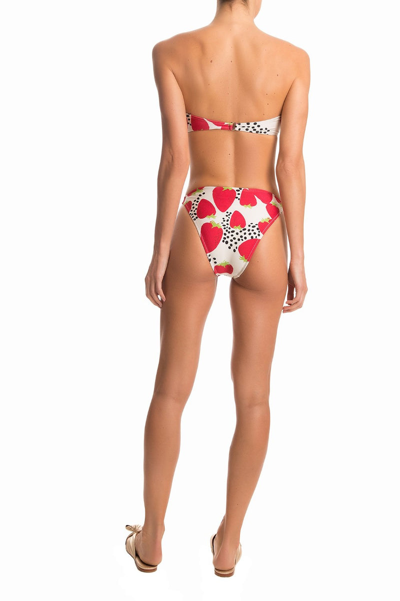 This New Vintage style bikini- modern shape with a retro appeal- is an irreverent piece for your summer wardrobe