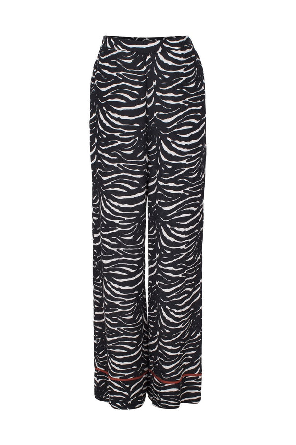 Reminiscent of 1970s style, these palazzo pants bring an elegant touch to your wardrobe