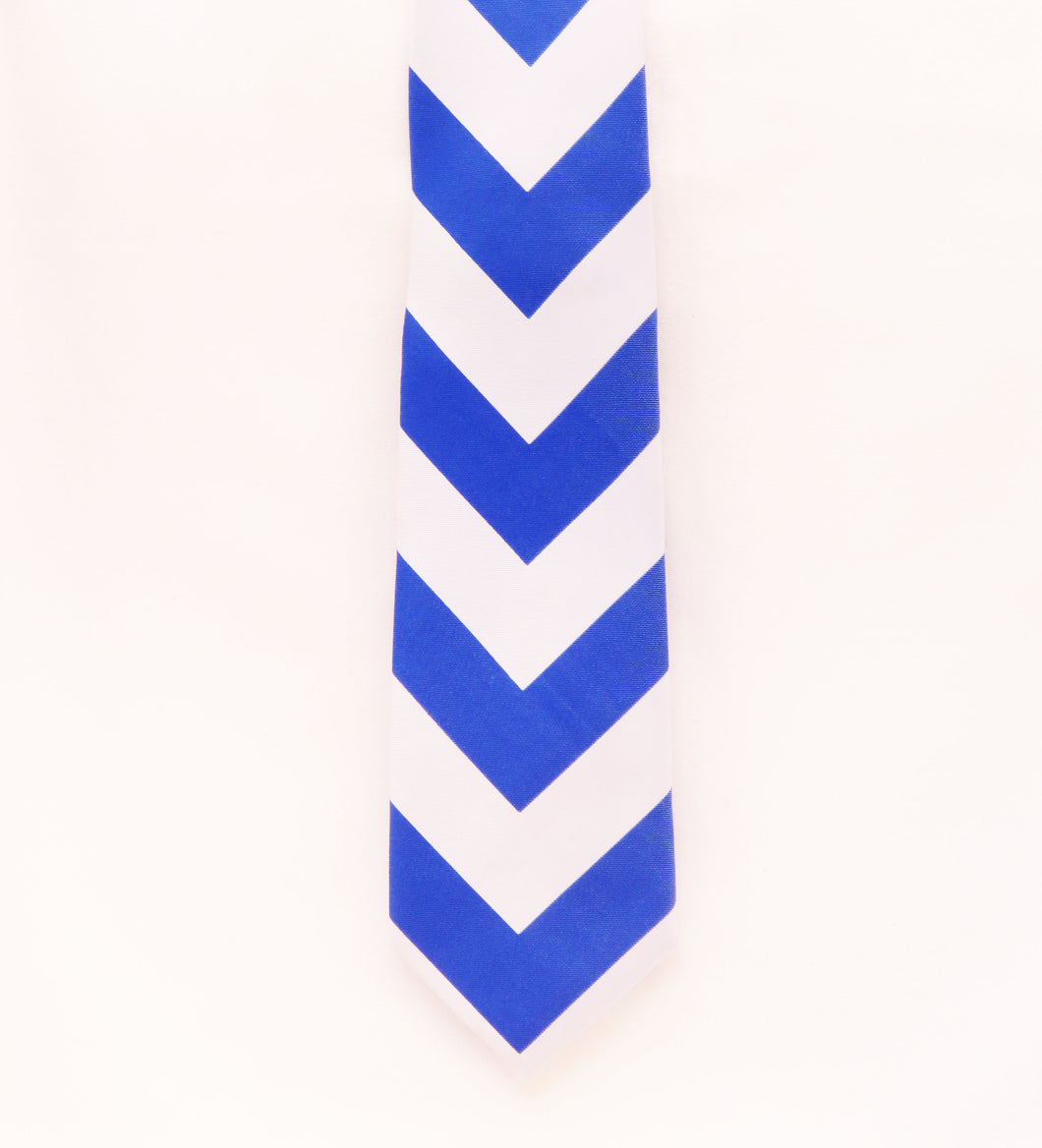 Royal blue and sliver chevron pattern necktie set