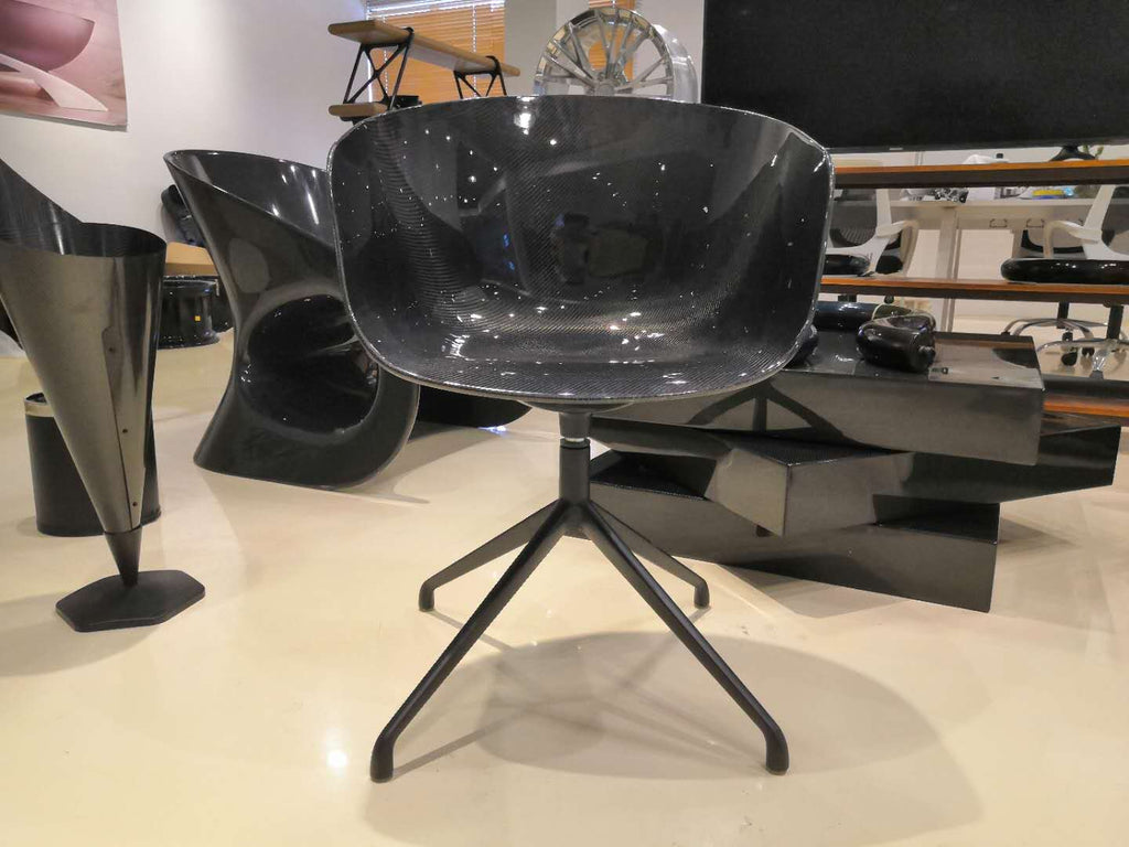 Alvarae Noir 219 Carbon Chair