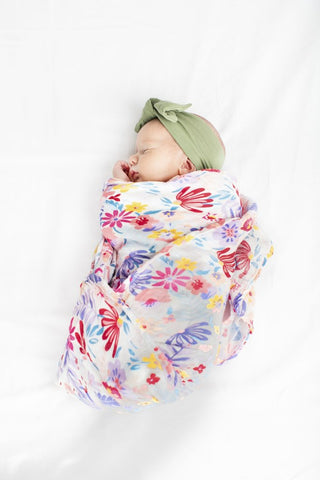 Muslin Swaddle - light field flowers