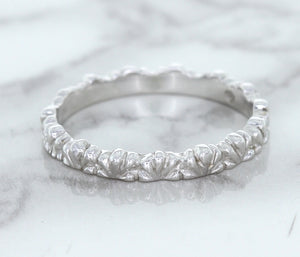 2.5mm Scalloped Band in 14K White Gold