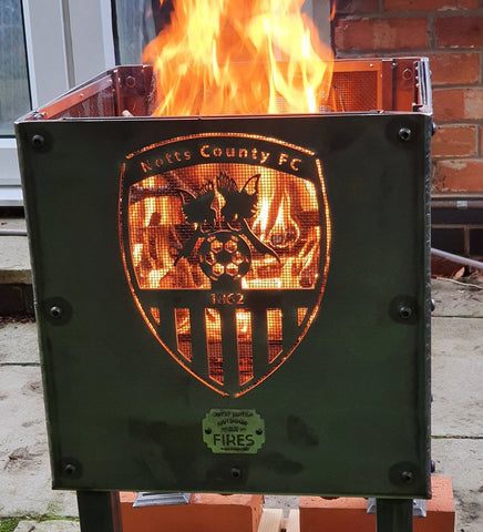 OFFICIAL: Notts County FC Fire Pit (logo on all 4 sides) (40x40x60cm)