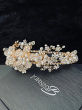 Load image into Gallery viewer, ANFISA - Floral Crown With Pearl And Crystal In Gold