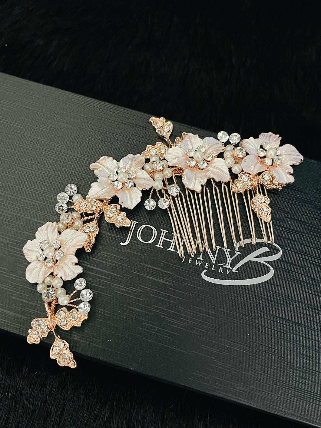 ZELENA – Large Flowers With Rhinestone Leaves Hair Comb In Rose Gold