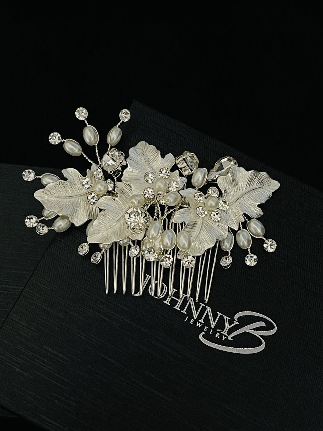 ORSA – Large Metal Leaves With Crystal And Freshwater Pearl Hair Comb