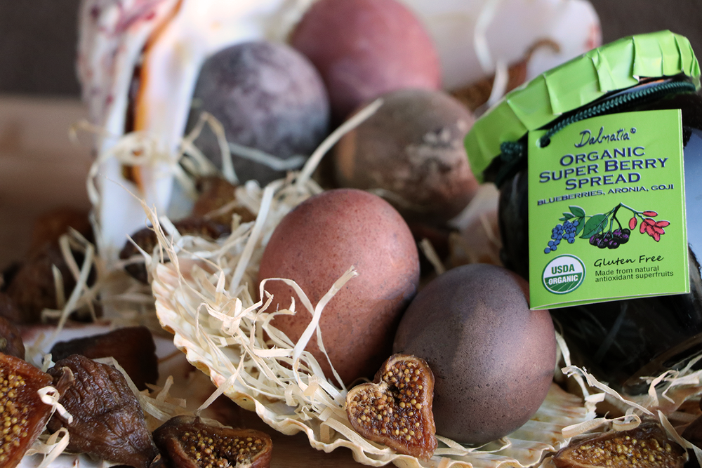 Color your Easter Eggs with Natural Ingredients