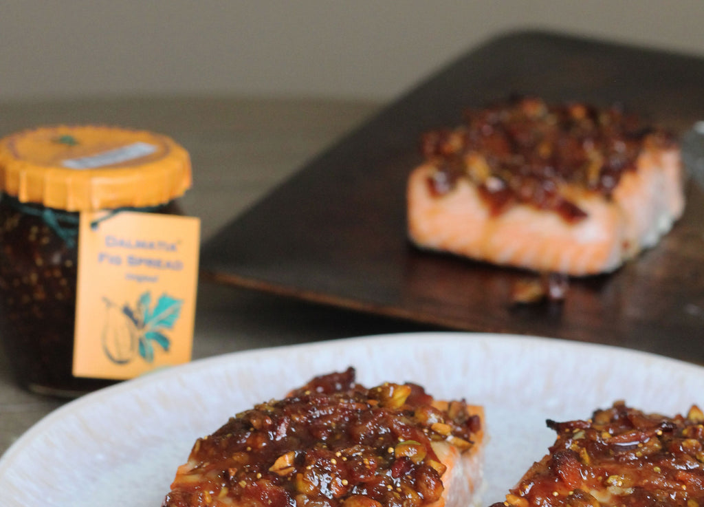 Recipe / Salmon with Figs, Bacon and Pistachios