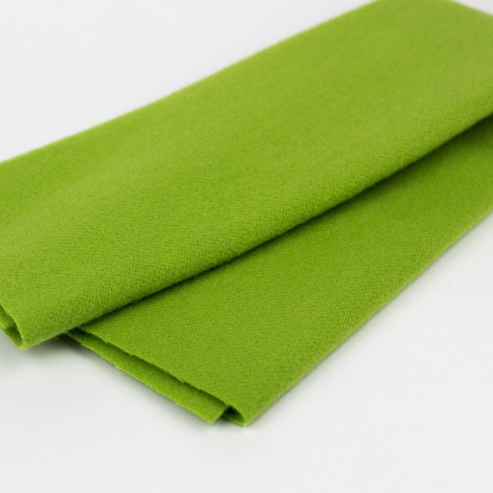 LN13 - Electric Lime Merino Wool Fabric - wonderfil-online-eu