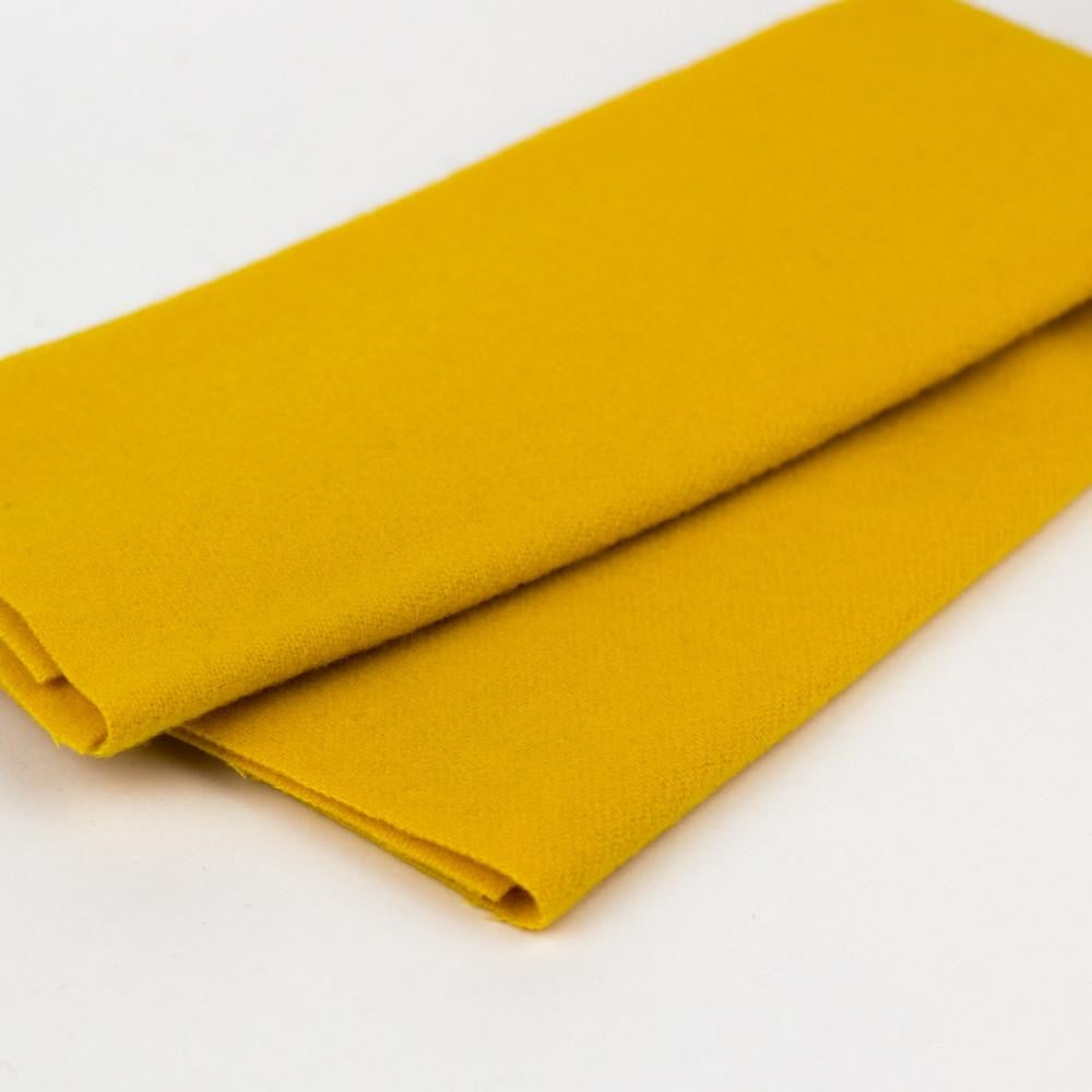 LN33 - Goldenrod Merino Wool Fabric - wonderfil-online-eu