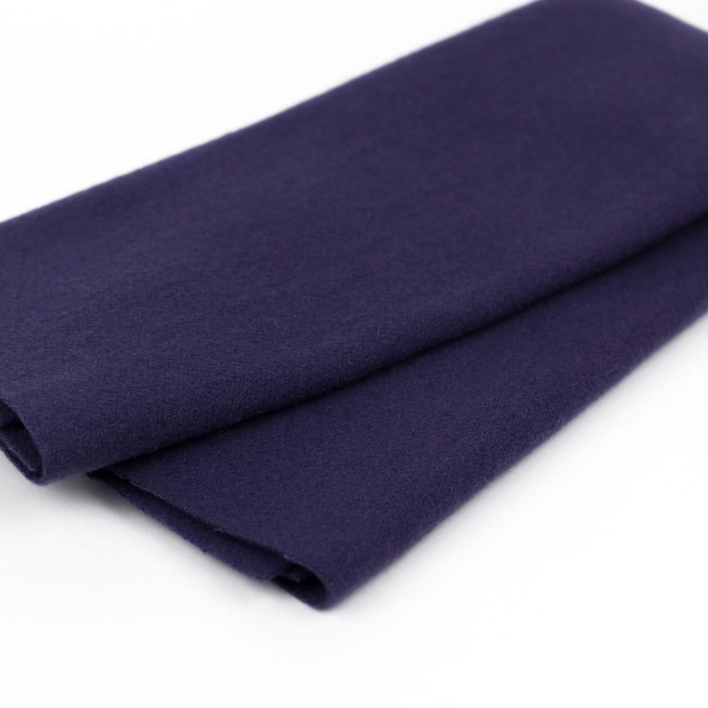 LN40 - Blue Iris Merino Wool Fabric - wonderfil-online-eu