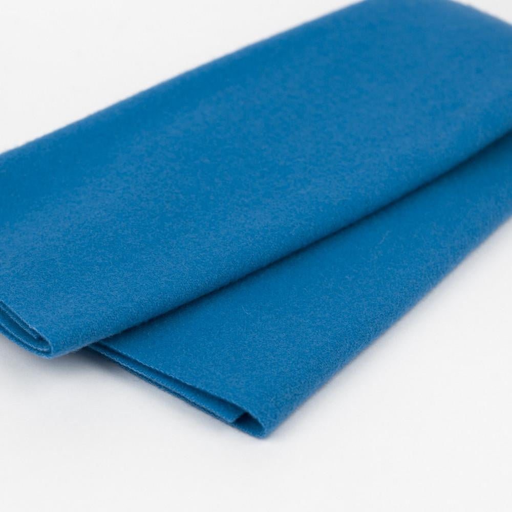 LN56 - Crystal Blue Merino Wool Fabric - wonderfil-online-eu