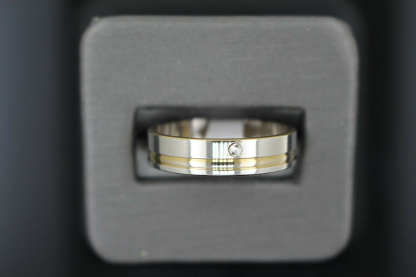 18k Solid Gold Elegant Ladies Modern Shiny Finish Band Ring R9183m