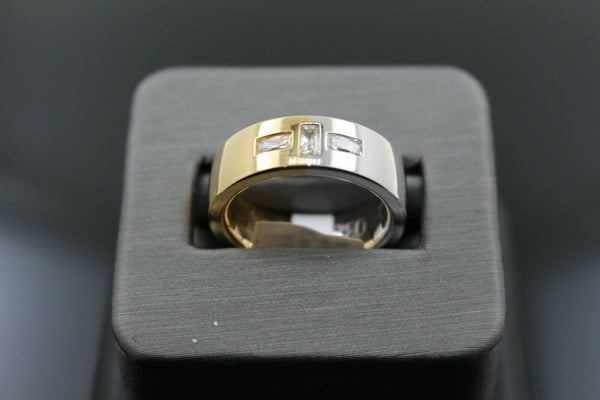 18k Solid Gold Elegant Ladies Modern Zirconia Shiny Finish Band Ring R9453m